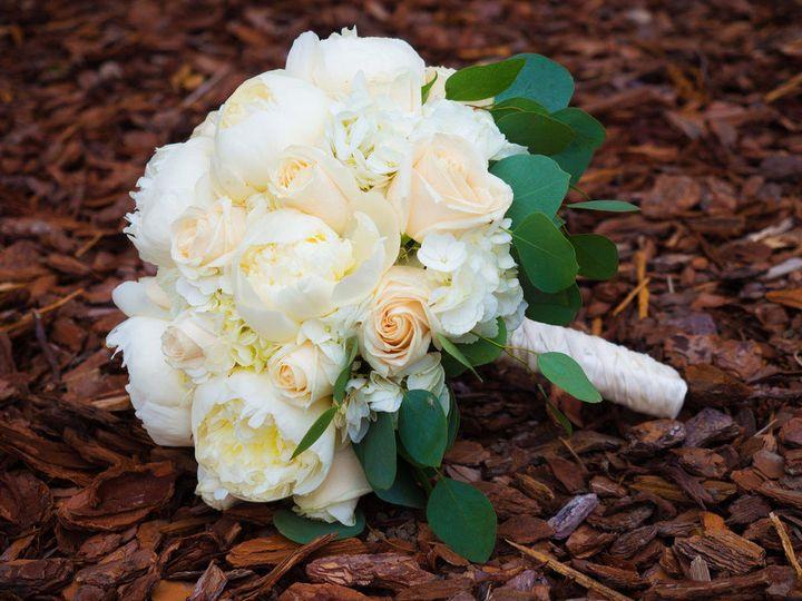 Tmx 1517590318 8028af96ad44693d 1517590317 7798a50c110b74f3 1517590312428 42 3587558 Eastpointe, MI wedding florist