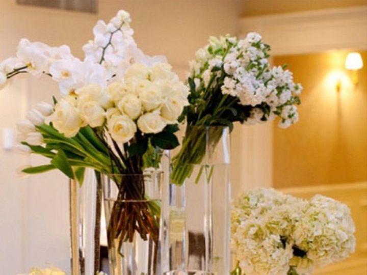 Tmx 1517592542 B2ba10178d1b349c 1517592492 4f6fa368fae61094 1517592487518 7 011b64b0523e789e10 Eastpointe, MI wedding florist
