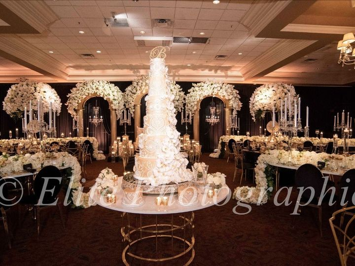 Tmx Reception 4 51 84892 158048206387242 Eastpointe, MI wedding florist