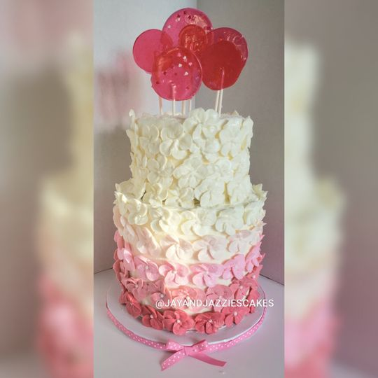 Multi-tiered wedding cake
