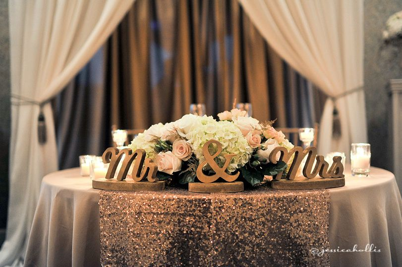 mr and mrs blush and gold sweetheart table