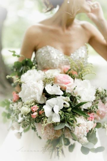 7a7b1f2d4a46383f southern Illinois best wedding florist