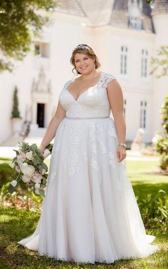 31805874092 Ve Lace Bridal - Dress   Attire - Bellingham
