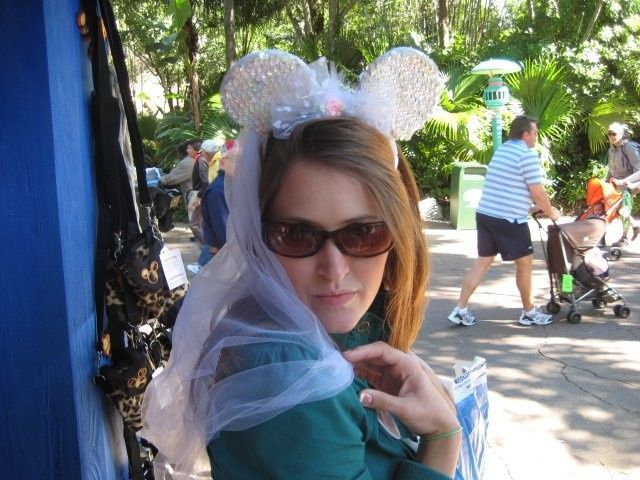 Minnie bride