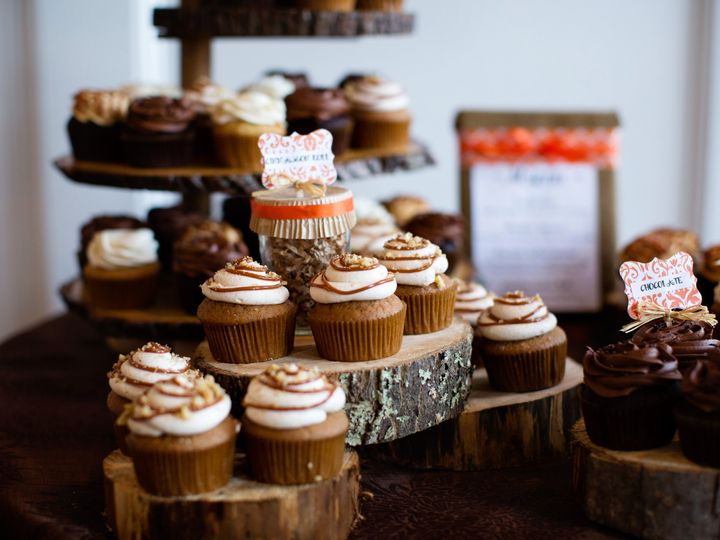 Tmx 1400806132237 Queen City Cupcakes 3 Manchester, New Hampshire wedding cake