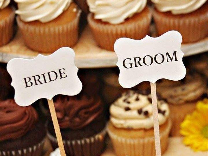 Tmx 1442340937462 Bride And Groom Manchester, New Hampshire wedding cake