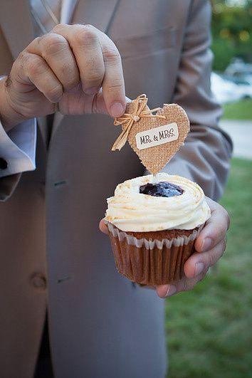 Tmx 1485292017324 688cfe8b579ef375d8445a83cfacaef42b65d1 Manchester, New Hampshire wedding cake
