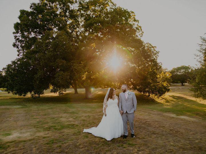 Tmx Catherine Aaron Sunset By Pecan Tree 51 991003 160452886635291 Georgetown, TX wedding venue