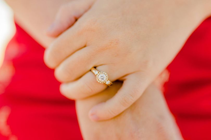 Stunning solitaire engagement ring - Amanda O'Neill Photography