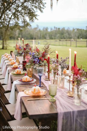 Outdoor table setup | Life Long Photography