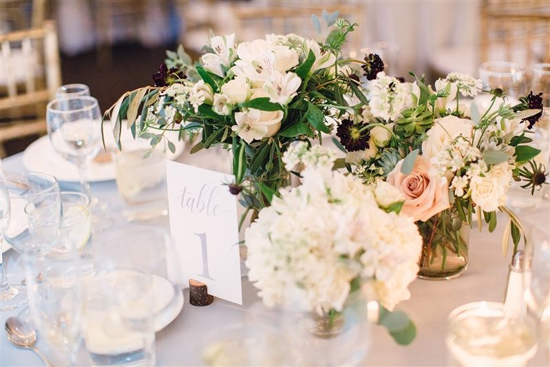 Floral table centerpieces