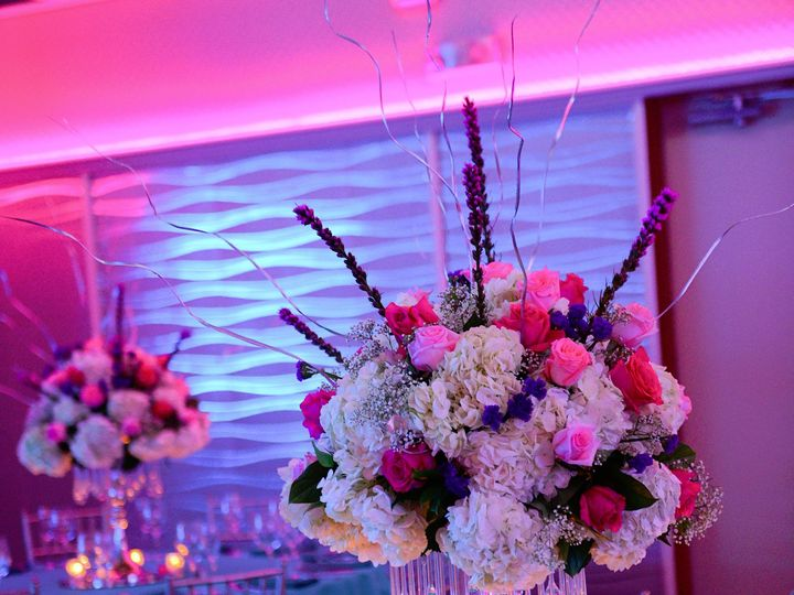 Tmx Large Flower Centerpiece 51 1896003 157388589021689 Hicksville, NY wedding eventproduction