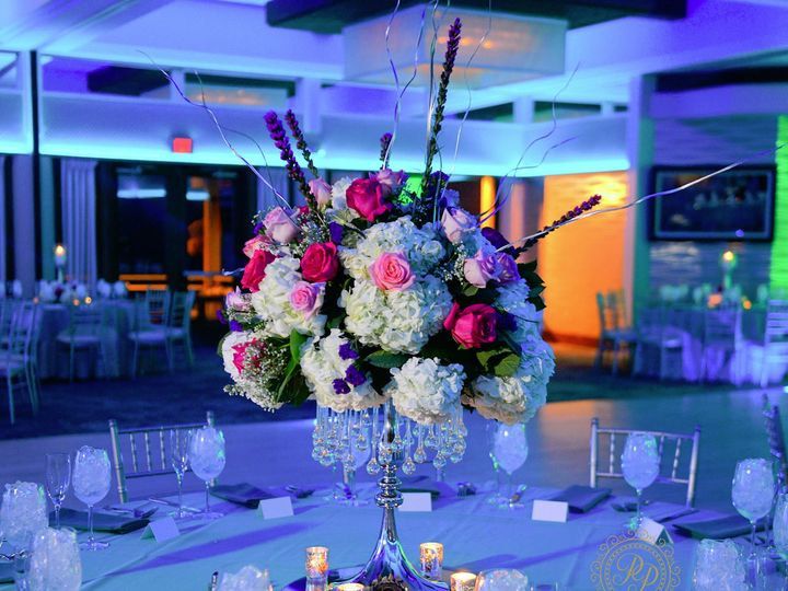 Tmx Large Flower Wedding Centerpiece 51 1896003 157388589127126 Hicksville, NY wedding eventproduction