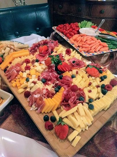 Veggie tray & cheese tray