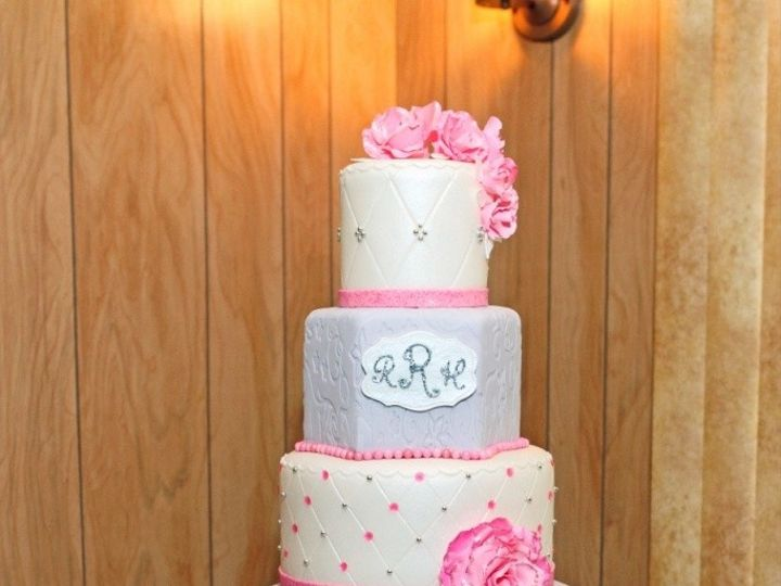 Tmx 1410009125770 4f1487e6bce5f54a23fe3dfc2e814aaflarge Williamson wedding cake