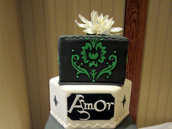 Tmx 1410009546624 910518344e4c2b4ad80ca45812ad9d44large Williamson wedding cake