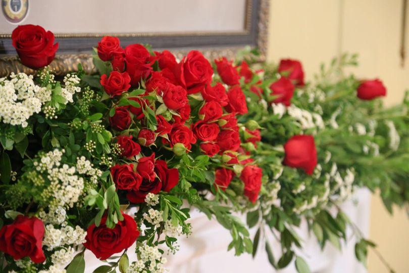 ac82de49e0e4cf8b 1531416773 28ad9c8dd0d2ea96 1531416773205 4 roses small