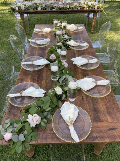 Garland Table