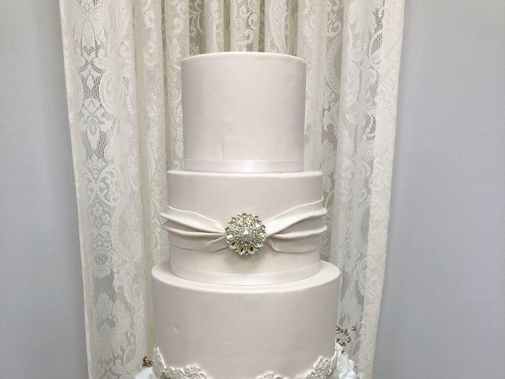 Tmx Img 2449 51 1052203 V1 Haledon, NJ wedding cake
