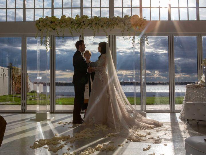 Tmx Nicknicoleceremonysunlight 51 43203 158733446717203 Seekonk, Rhode Island wedding officiant