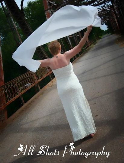 Many of our packages offer a complimentary Bridal session to be done on the day of your ceremony.