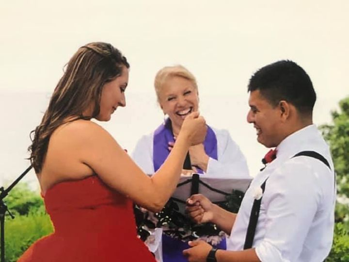 Tmx B09bf096 2eae 4337 932e 1edf70166c5b 51 1364203 159742501560012 Miller Place wedding officiant