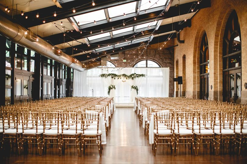 Linen effects for wedding ceremony