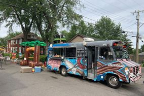 Buck N Dink's BBQ Food Truck