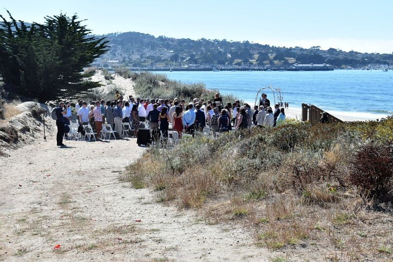 ceremony site with guests seated 51 386203 159070383446560