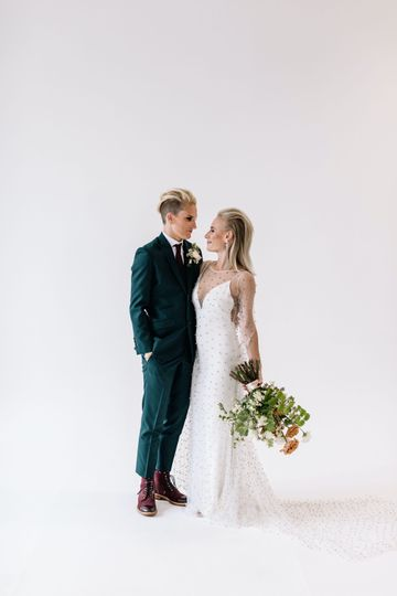 carlee sus wedding sneaks 32 51 740303 1573666420