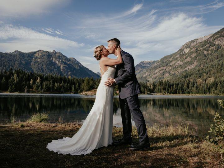 Tmx Adventure Elopement At Gold Creek Pond Wa By Ez Elopements Www Ezelopements Com 51 1001303 161360002016403 Seattle, WA wedding officiant