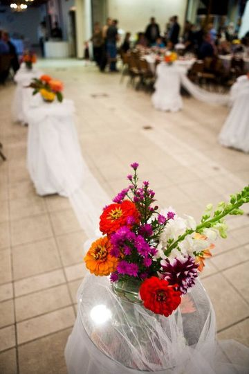 A touch of color to your aisle runners.