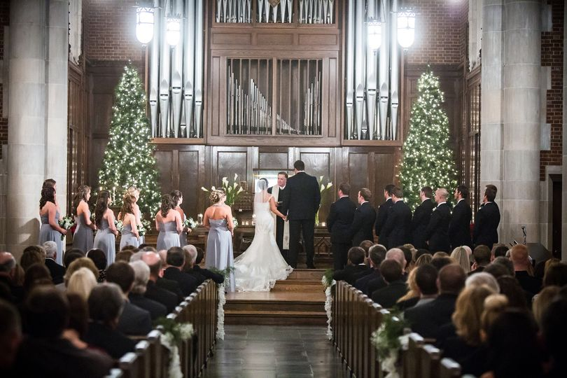 Christmas wedding in Wightman Chapel at Scarritt-Bennett  Photo: Dove Wedding Photography