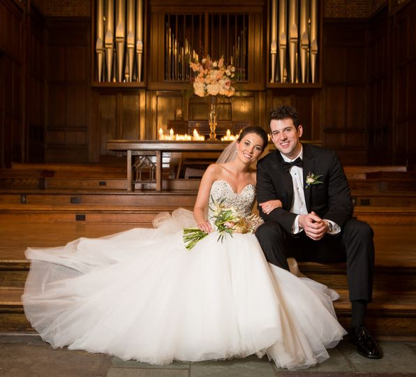 800x800 1501885028892 bride and groom in front of organ