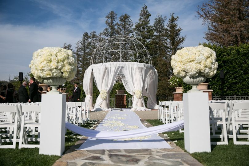 ceremony aisle top maral