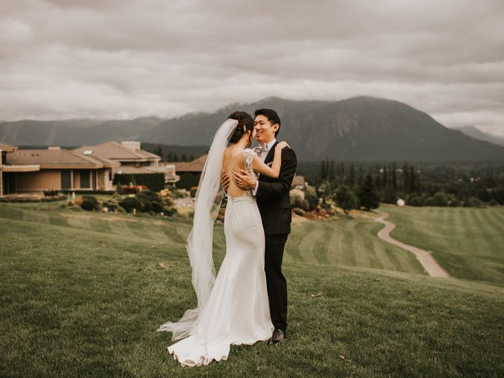Tmx Bride And Groom First Look 51 144303 1567460277 Snoqualmie, Washington wedding venue
