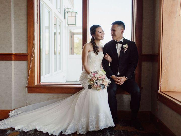 Tmx Bride And Groom In Alcove 51 144303 159433593251376 Snoqualmie, WA wedding venue