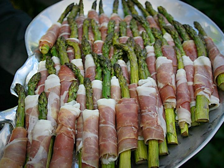 Tmx Roastefd Asparagus Wrapped In Proscuitti 51 984303 158936592085502 Bethel, CT wedding catering