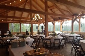 Summit Mountain Lodge and Steakhouse