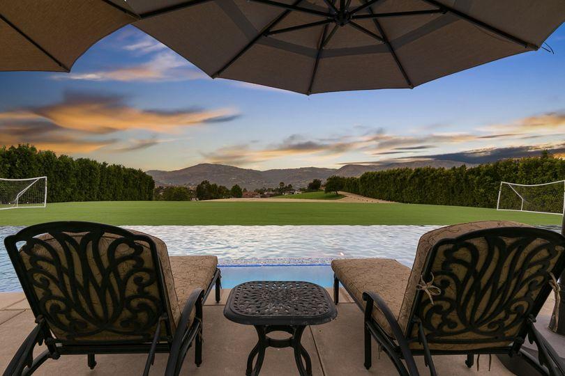 Pool Mountain View