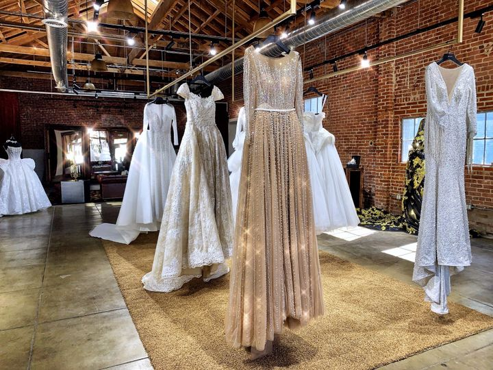 Tmx 3 51 1950403 158344425734087 Pasadena, CA wedding dress