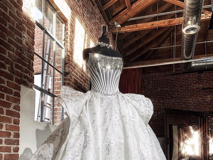 Tmx 9 51 1950403 158344426596074 Pasadena, CA wedding dress