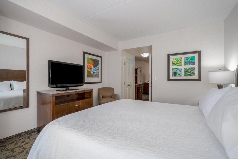 Junior King Suite Bedroom