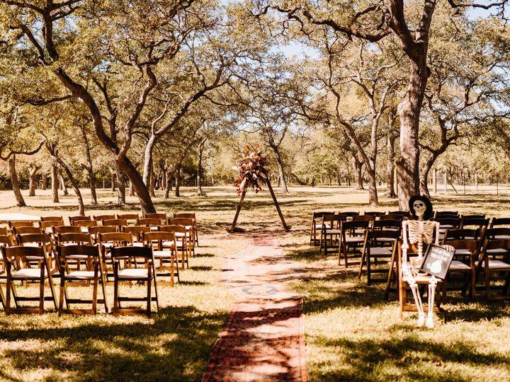 Tmx Details Getting Ready 103 1 51 2031403 162214837984850 Dripping Springs, TX wedding venue