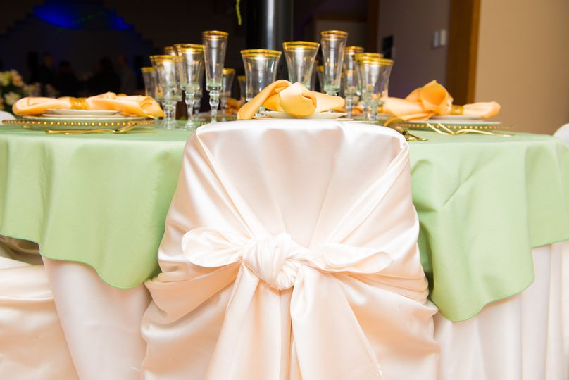 A formal table setting by Culinary WAVE Catering. Linen & Glasses are from Allwell Rents