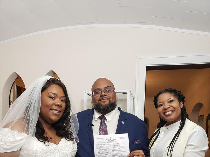 Tmx 20200926 184359 51 1884403 160314639652162 Ferndale, MI wedding officiant