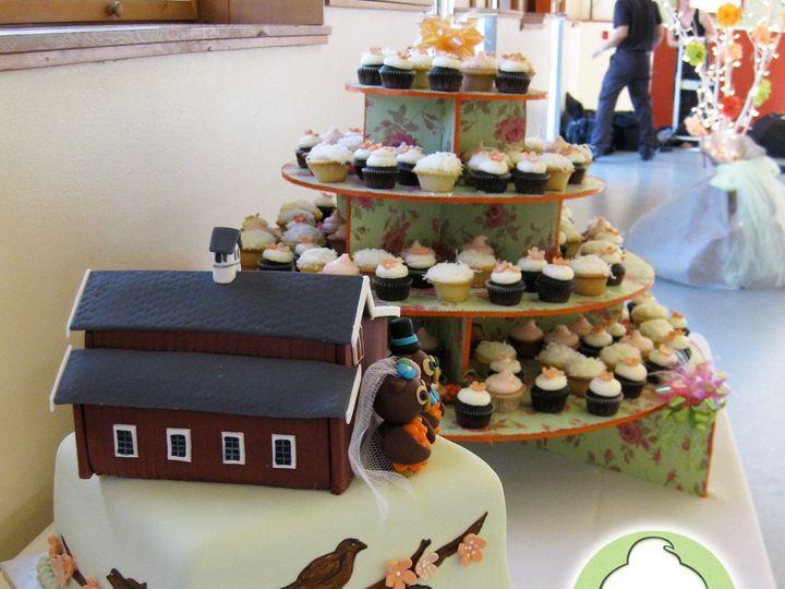 Tmx 1358791144910 OwlBarnWeddingCakeCakeCupcakes Seattle wedding cake