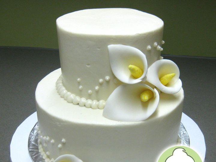 Tmx 1358795800088 CallaLilyTwoTieredWeddingCakeMain Seattle wedding cake