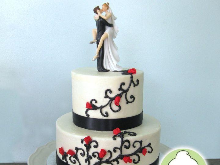 Tmx 1358795854732 RedRosesBlackVinesWeddingCakeMain Seattle wedding cake