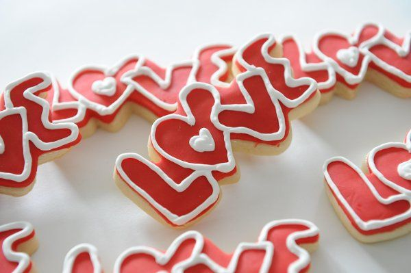 """Love"" Wedding Cookie Favors"